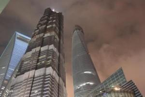 Les 3 tours les plus hautes; la plus haute étant en cour de construction (à droite-634 m)
